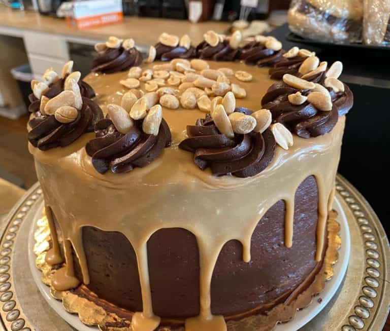 Chocolate Peanut Butter Icing 3